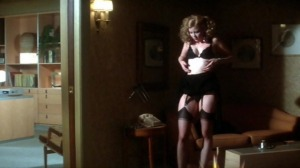 dressed_to_kill_1980_film_seducing_dr_elliott